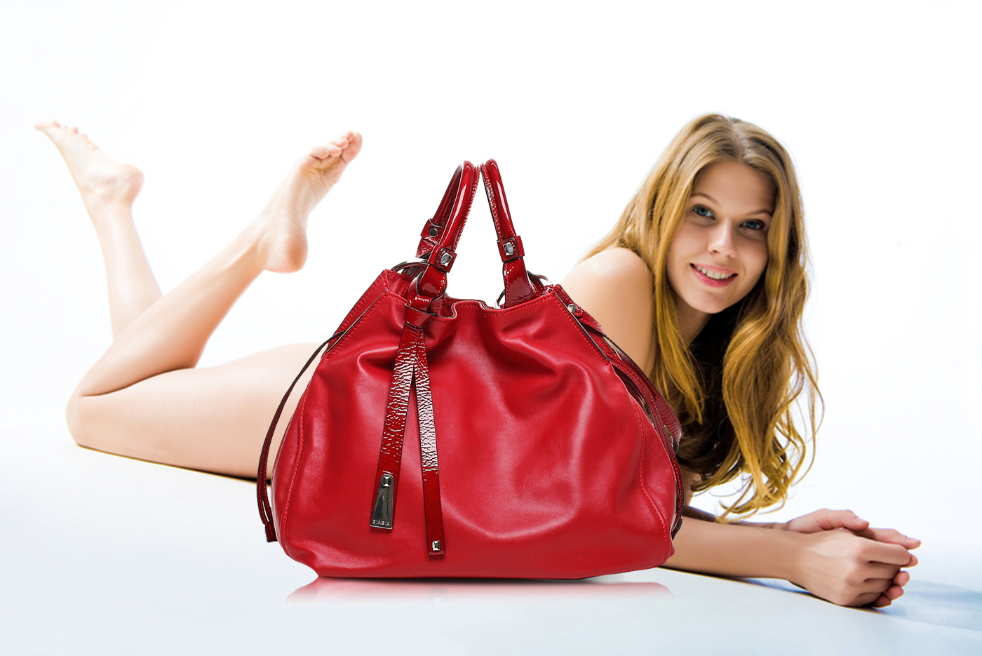 013-red-patent-leather-handbag