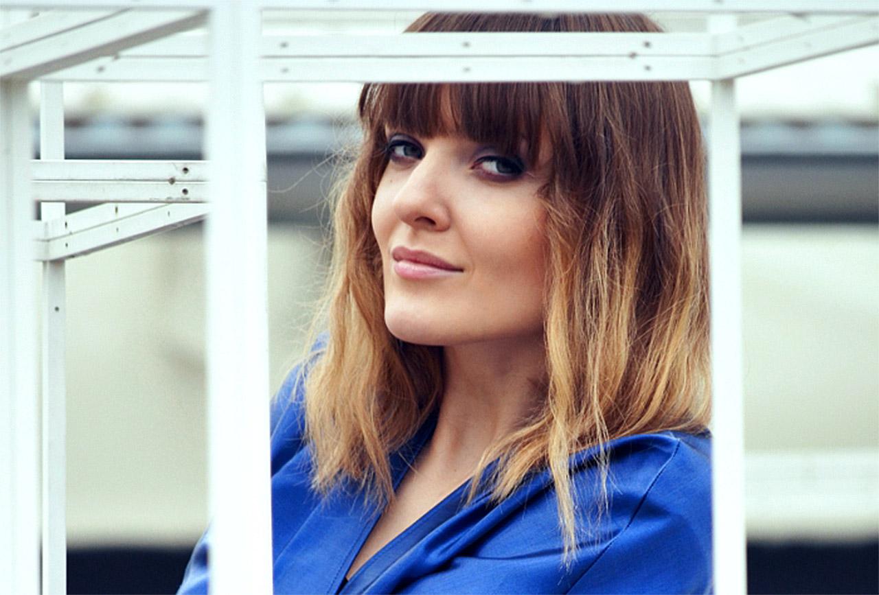 Ewelyn Drozdziuk modish you blog electric blue suit