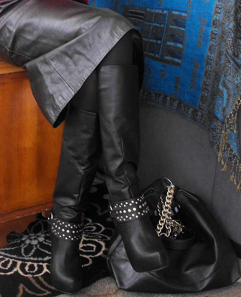 JustFab Diyana black faux leather knee high boots with gold details and Maxwell faux leather bag black 2