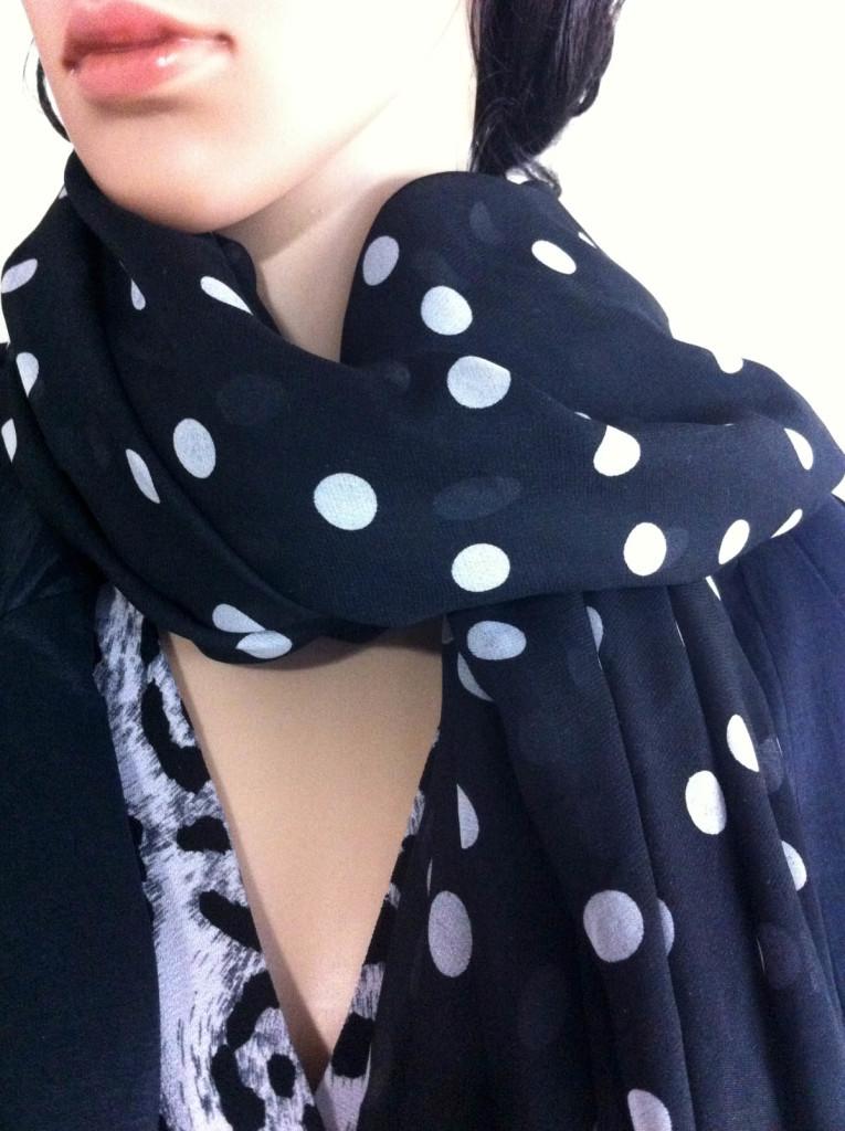 mannequin black white polka dot scarf