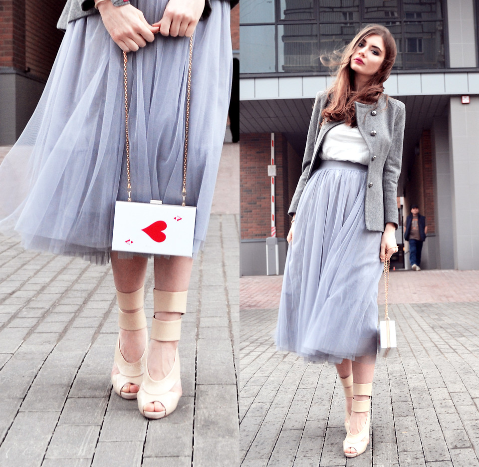 Alexandra M Moscow Russia stylist wearing tulle skirt from OASAP