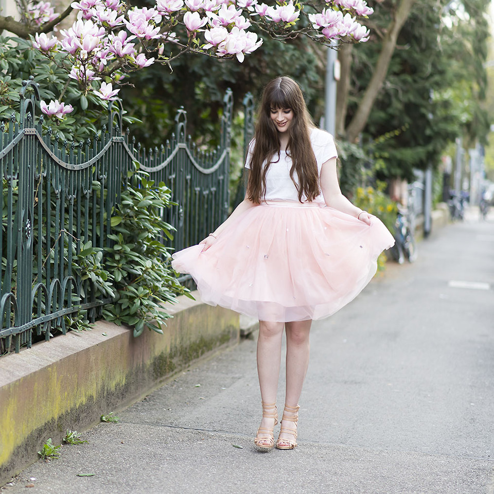 Blogger Andrea Funk from Germany wearing a pink tulle skirt