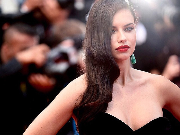 Adriana Lima Feeling like a movie star in chopard Cannes 2015