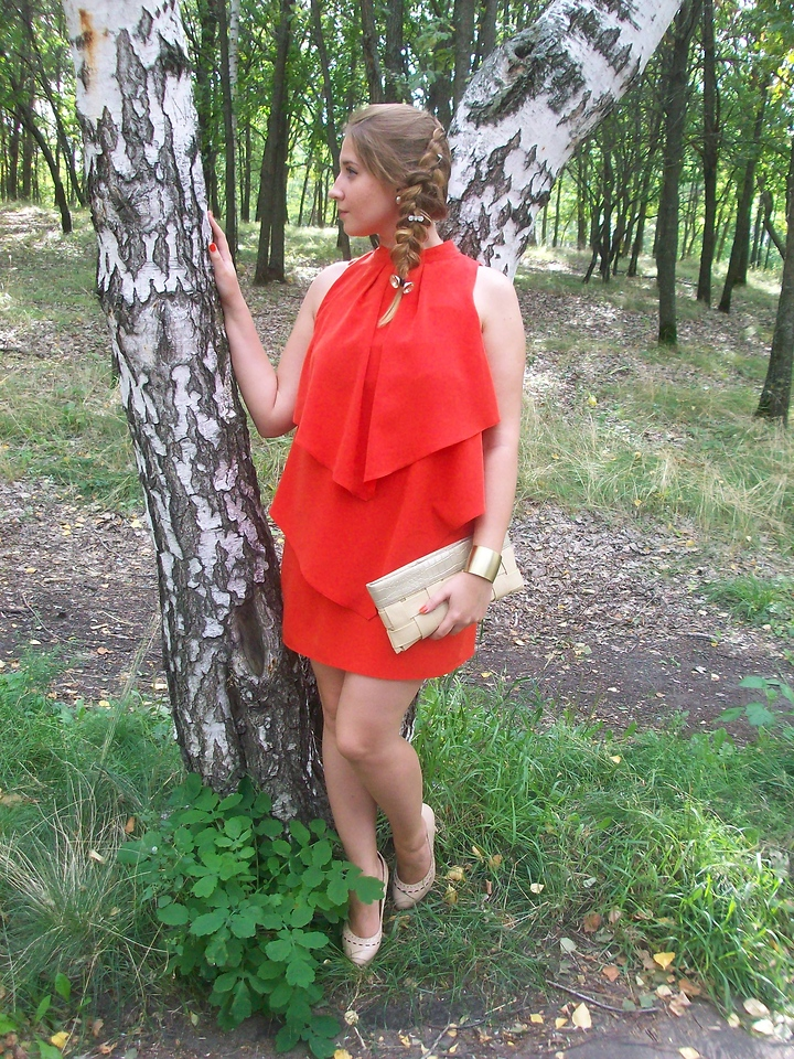 Lookbook member Ankoles Ankoles from from Russian Federation wears nude shoes with orange dress