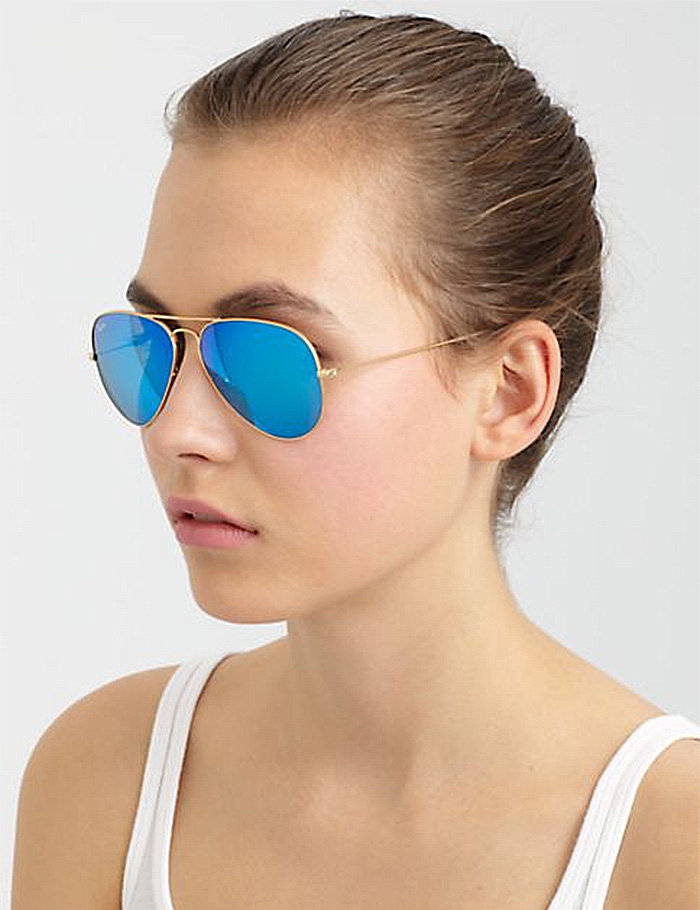 models wearing ray ban aviators