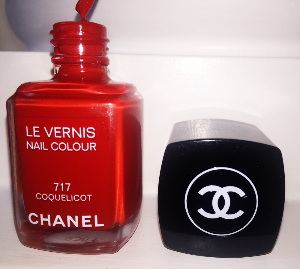 chanel le vernis nail color coquelicot chanel red nail polish
