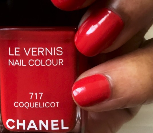 chanel le vernis nail color coquelicot red nail polish