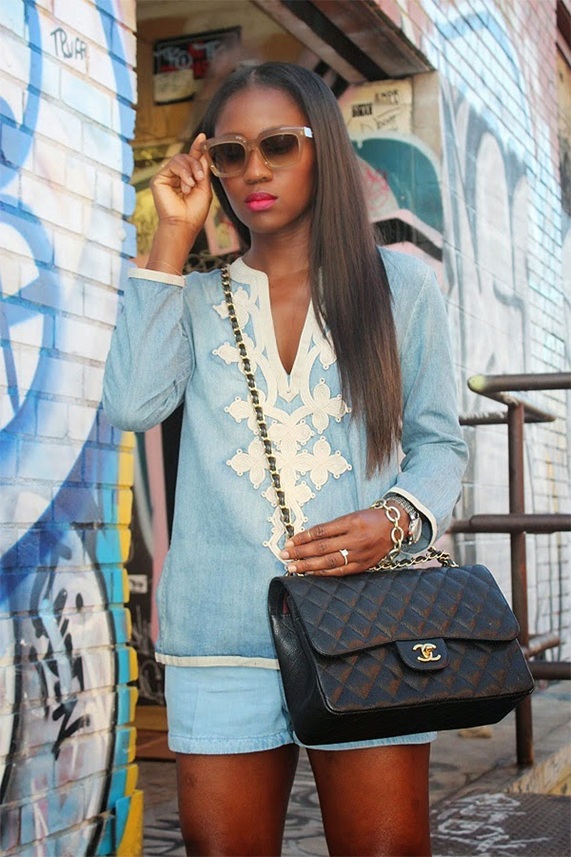 04c3cf23ee4156 Ranti Onayemi in j crew top h-m shorts with Chanel classif flap bag ...