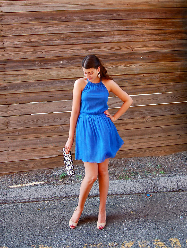 Blogger Julie Provencher Montreal Canada wearing beige peeptoe pumps with blue dress