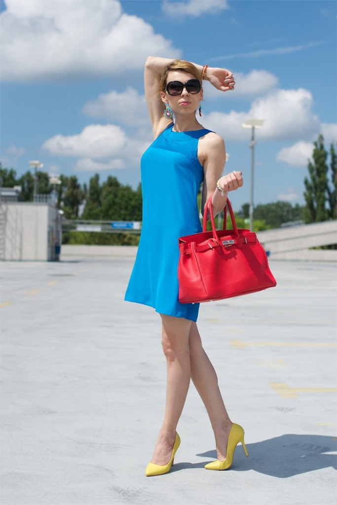 Lookbook user MonCherries from the blogspot blog Mon Cherries wears yellow pumps with a blue dress