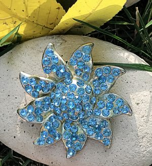 Vintage blue starfish brooch rhinestone jewelry